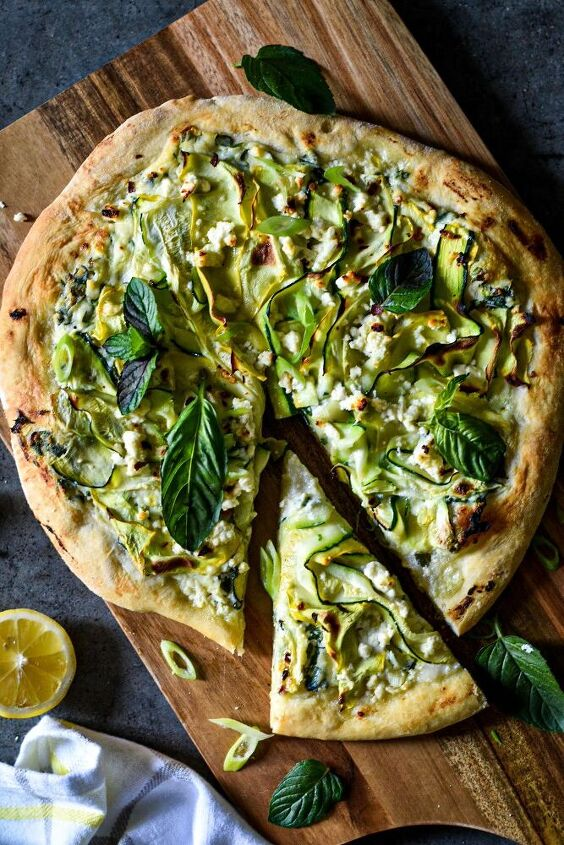 pizza with zucchini and feta cheese
