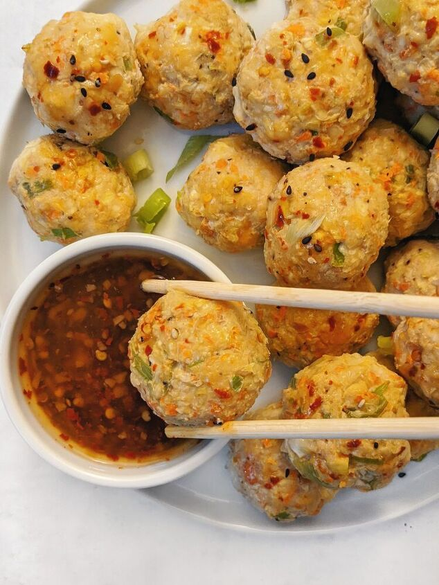 egg roll chicken meatballs with sweet chili sauce