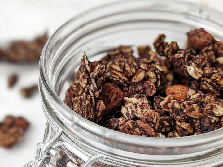 healthy dark chocolate almond granola