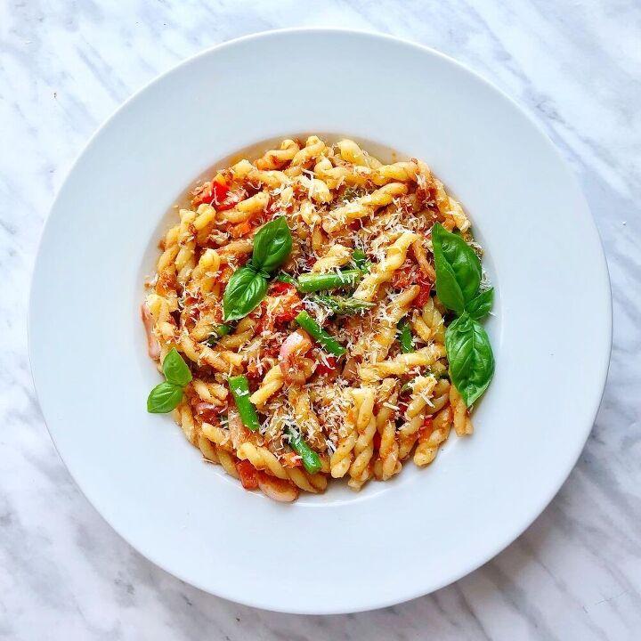 tomato pesto veggie pasta