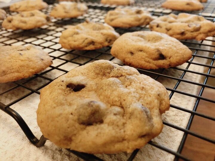 best ever chocolate chip cookies, Cookies just out of the oven