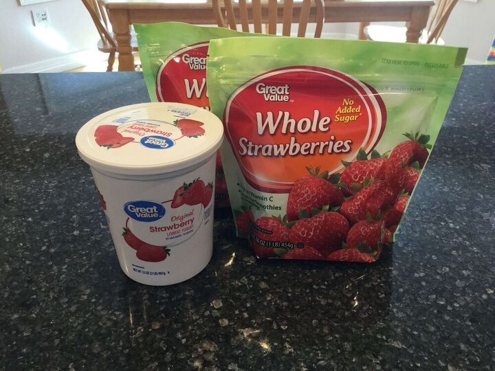 super easy strawberry soup