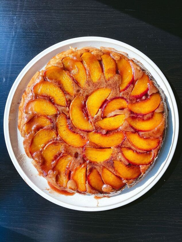 cinnamon sugar peach upside down cake