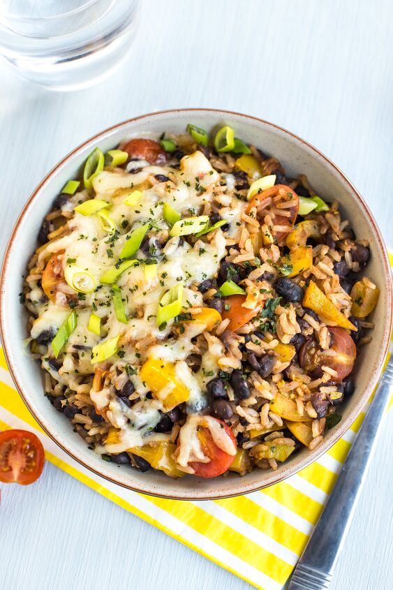 s 13 vegetarian main dishes that are super filling, Veggie Burrito Bowls