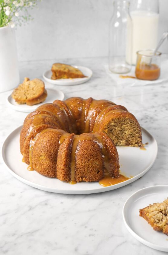 s 15 christmas desserts that will make your holiday very merry, Spiced Apple Bundt Cake With Caramel Drizzle