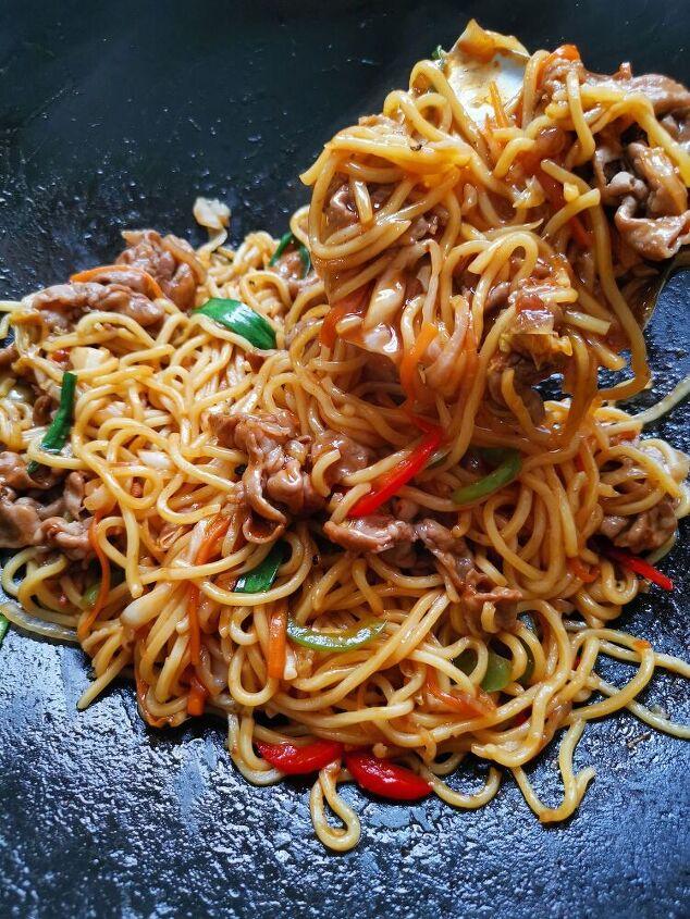 yakisoba japanese style fried noodles