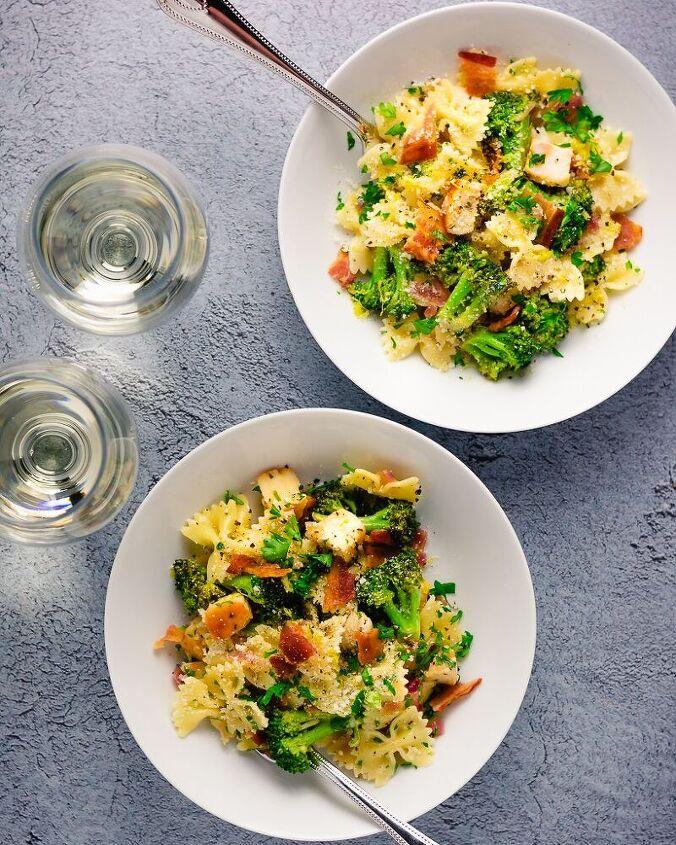 seared scallop pasta with bacon and broccoli