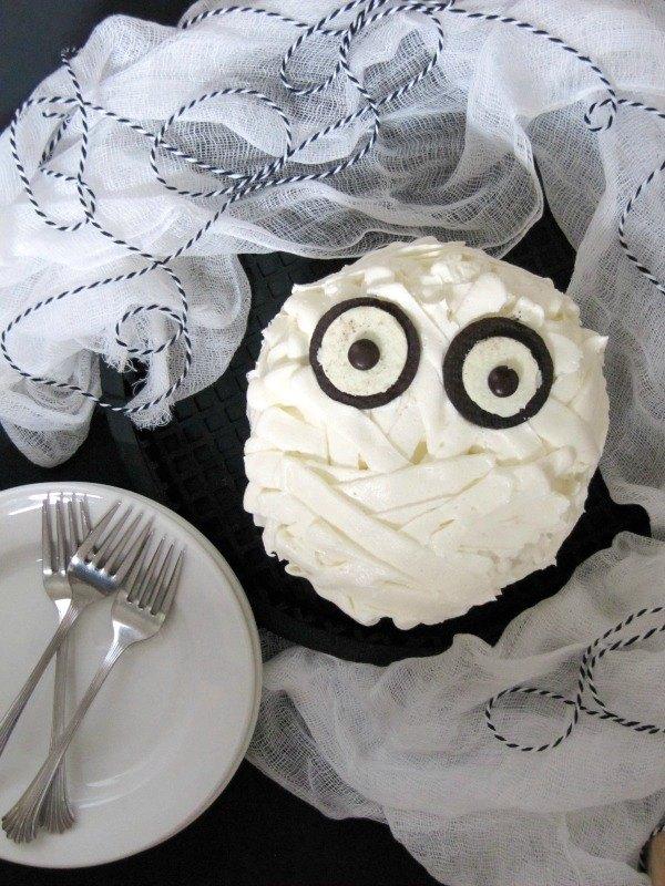 chocolate mummy cake with buttercream frosting bandages