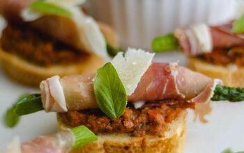 Asparagus-Prosciutto Crostini With Sun-Dried Tomato Pesto