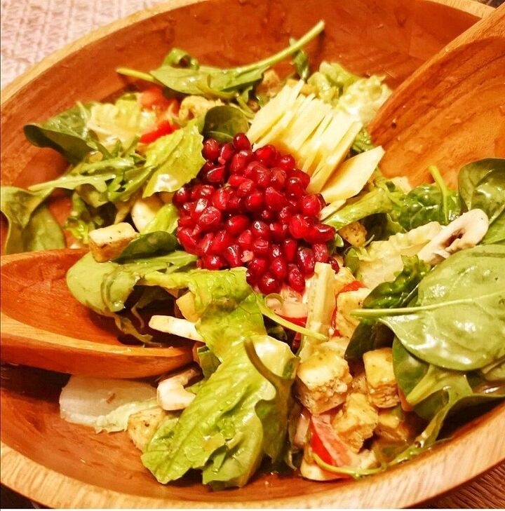 italian side salad with honey balsamic pomegranate