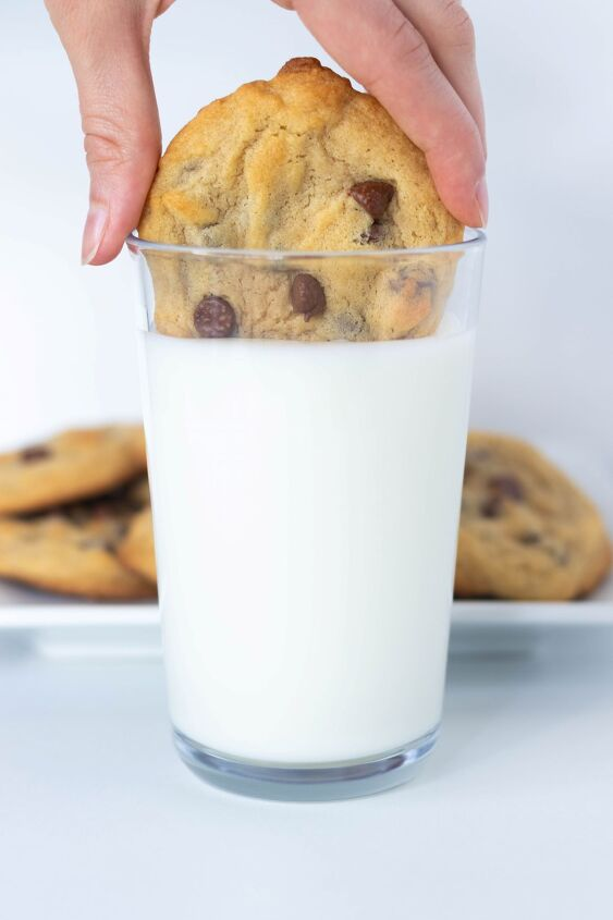s 10 chocolate chip cookie recipes for every kind of cookie lover, Soft and Chewy Chocolate Chip Cookies