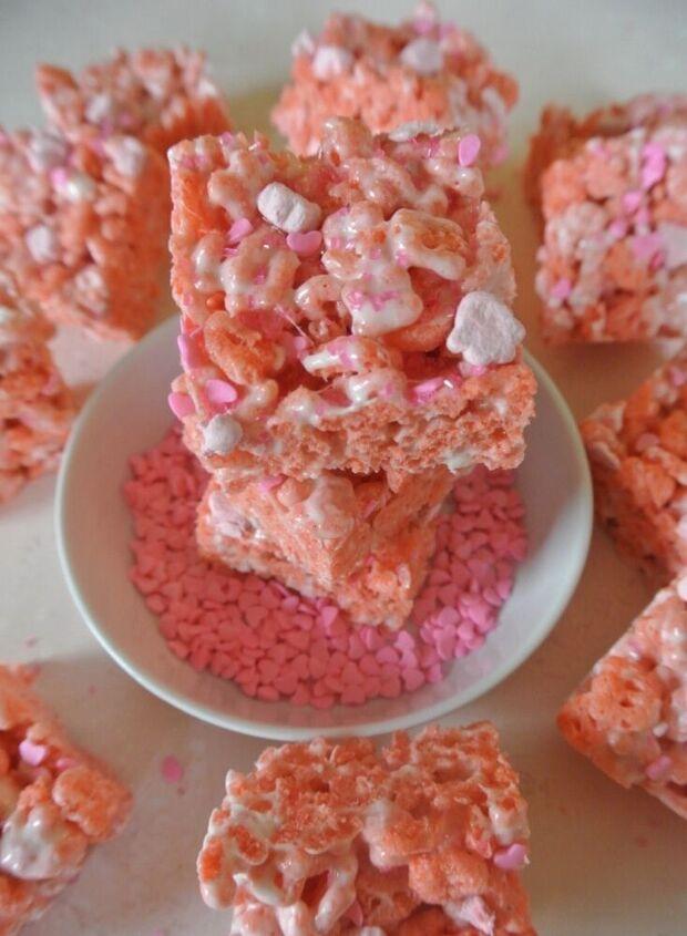 pinktober lucky charm krispie treats