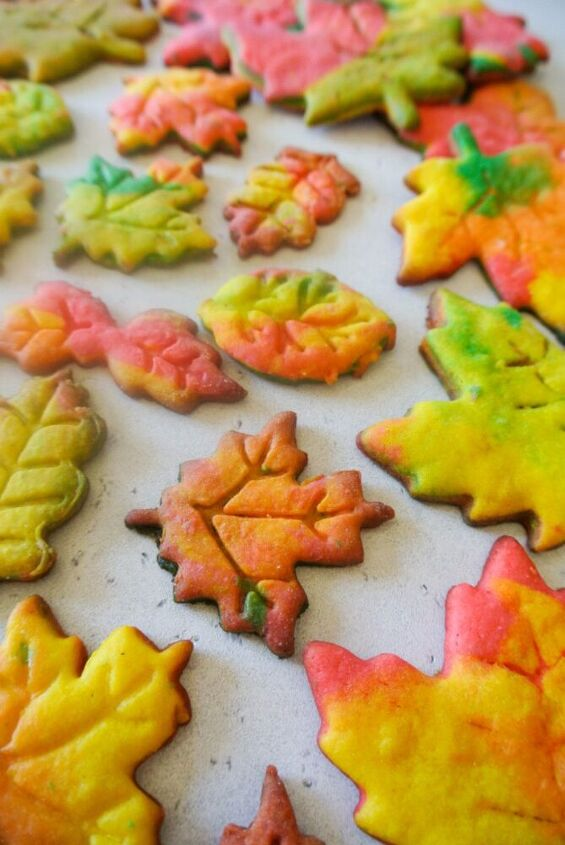 fall maple leaf cookies