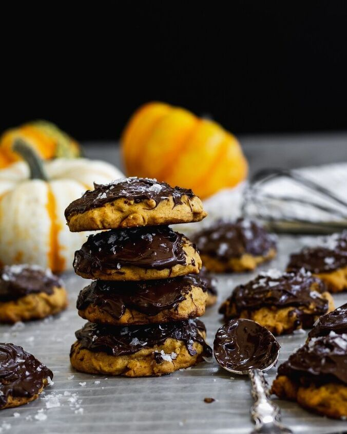 pumpkin oatmeal cookies with chocolate and flaky sea salt