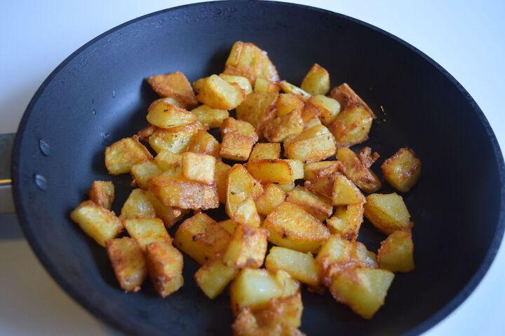 crispy pan fried potatoes roasted potatoes