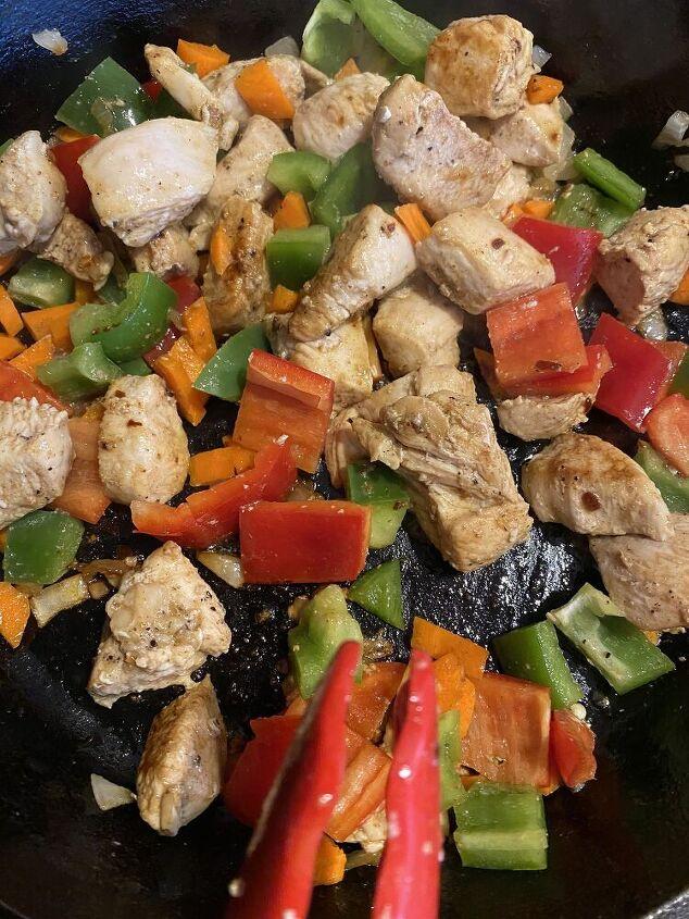 Chicken, carrots, bell peppers.....yum!