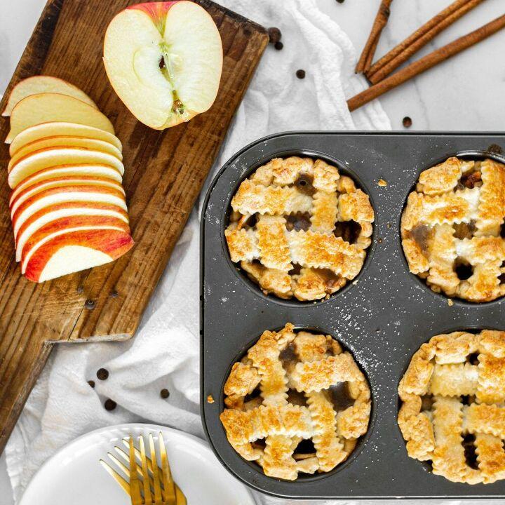 mini deep dish apple pies