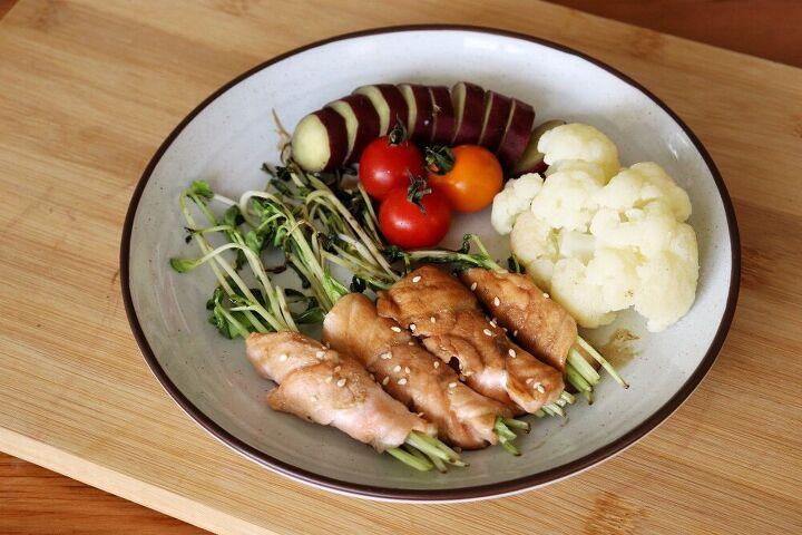teriyaki salmon wrapped bean sprouts
