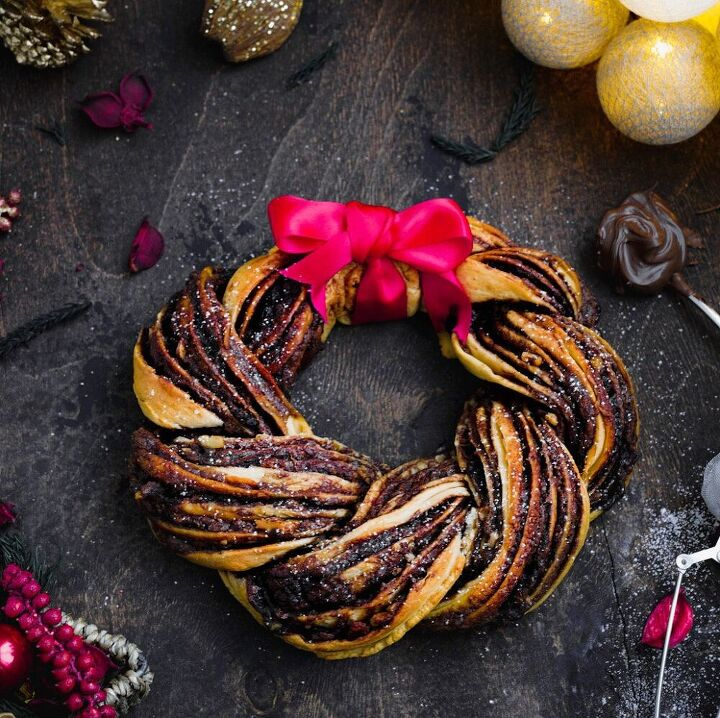 the most beautiful and delicious nutella bread wreath