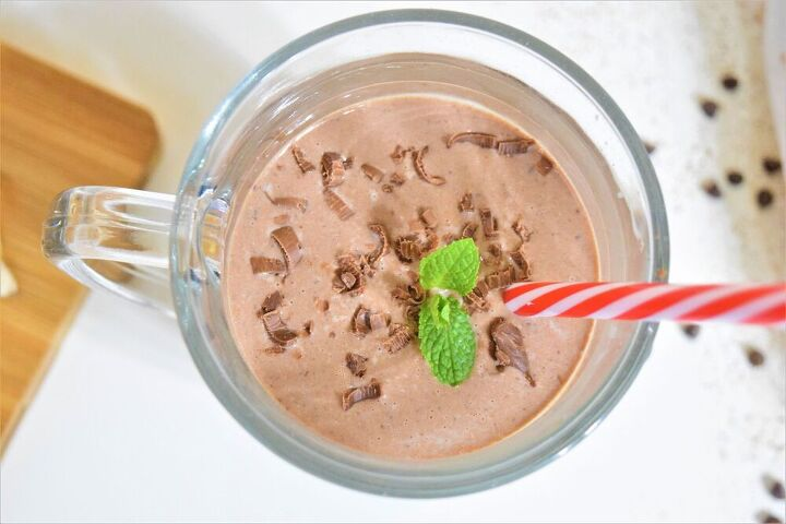 chocolate date smoothie