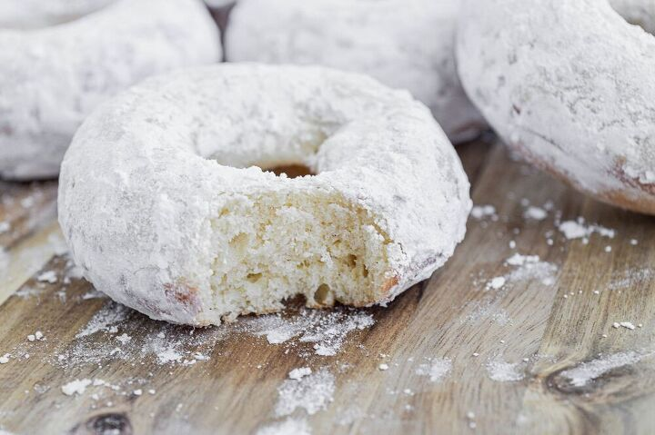 old fashioned powdered donuts