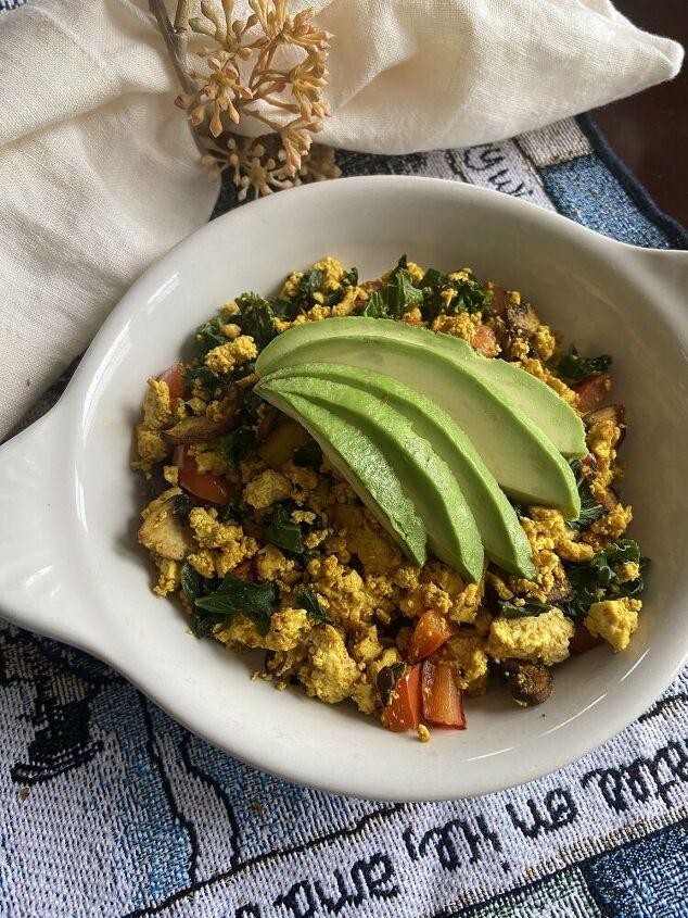 vegan tofu veggie scramble