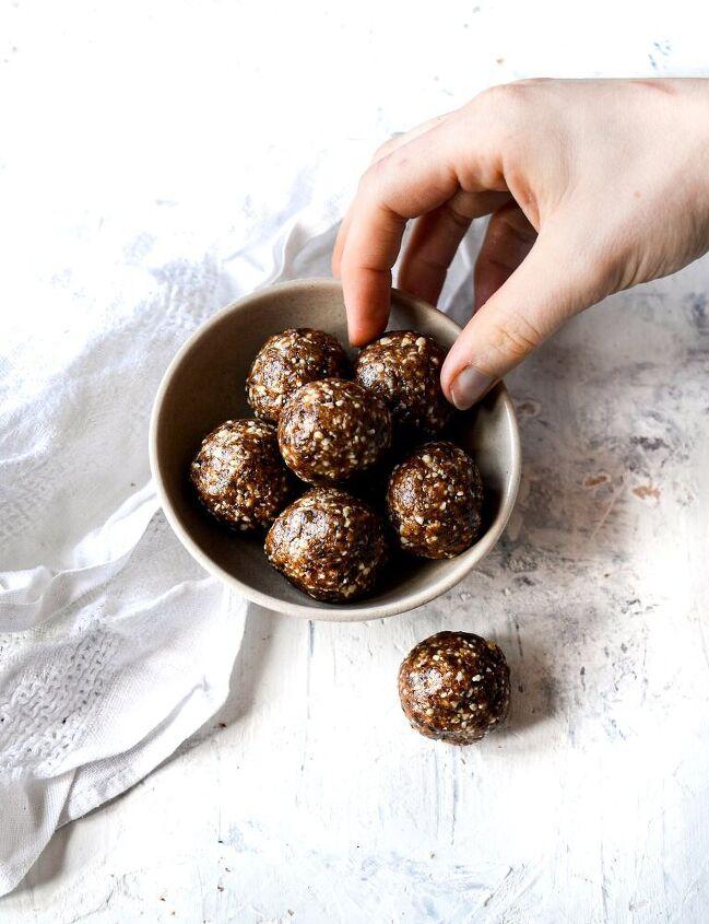 4 ingredients cinnamon peanut energy balls