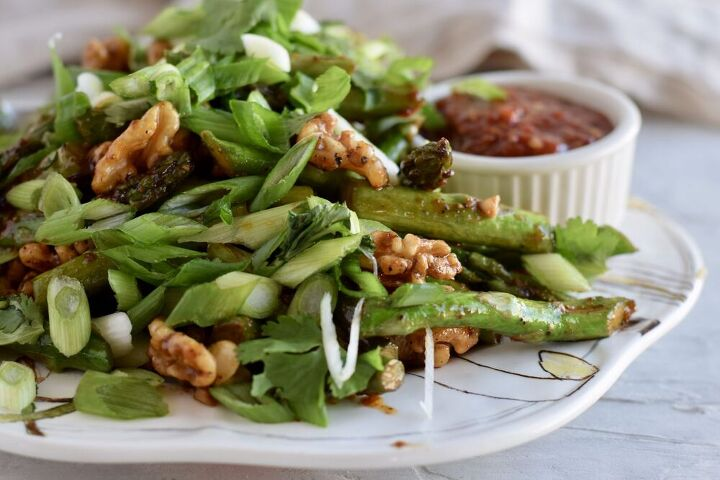 spicy asparagus saut with walnuts