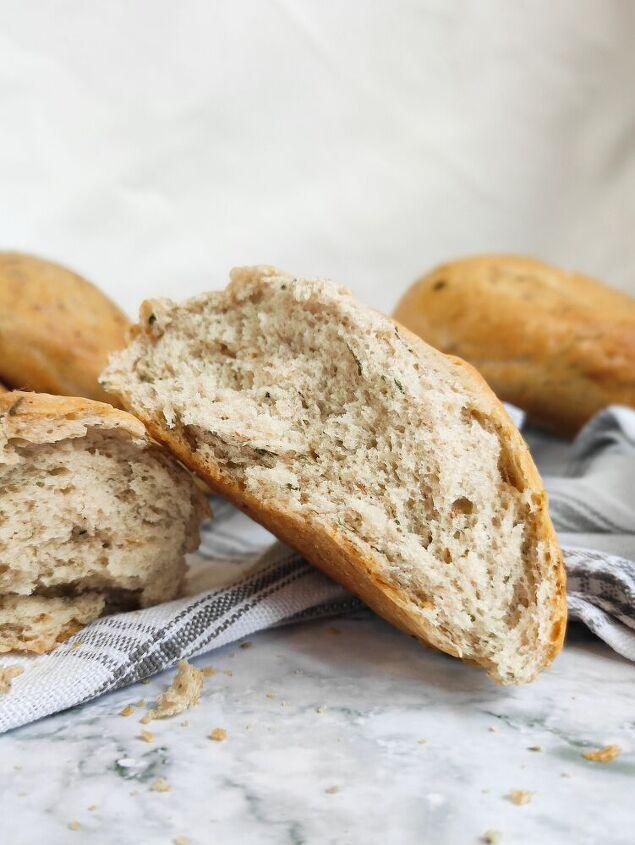 garlic and herb bread rolls