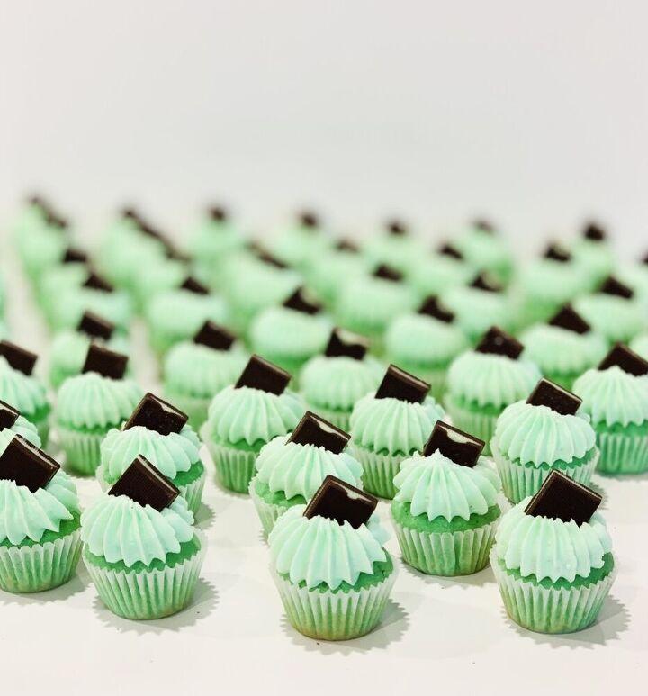 mini mint cupcakes