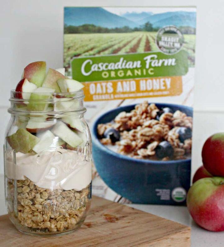 apple cinnamon yogurt parfait