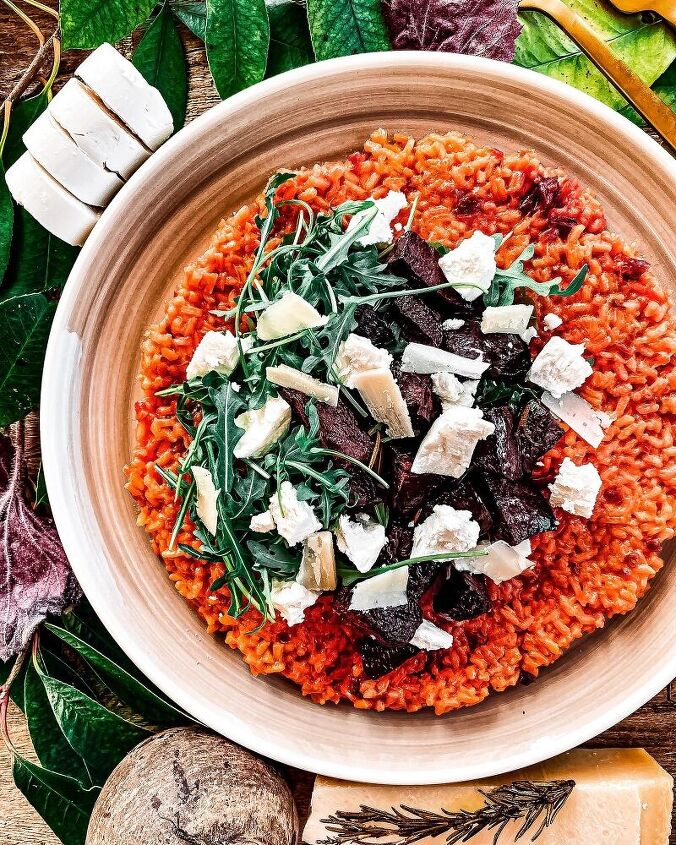 beetroot risotto with rucola and goat cheese