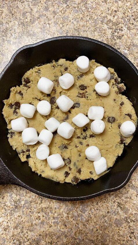 mores cookie skillet
