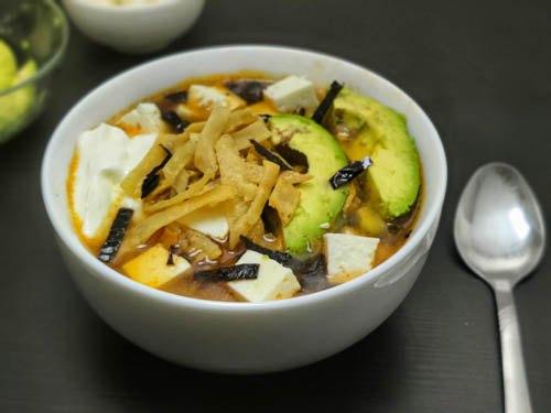 sopa de tortilla sopa azteca tortilla soup