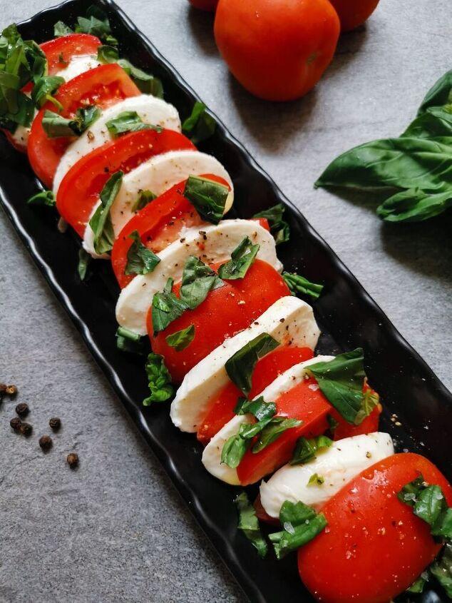 insalata caprese mozzarella and tomato salad