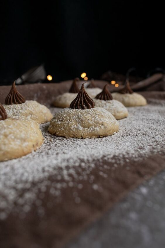 chocolate filled button cookies with hazelnuts