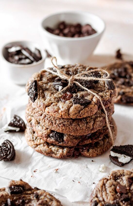 chewy oreo chocolate chip cookies