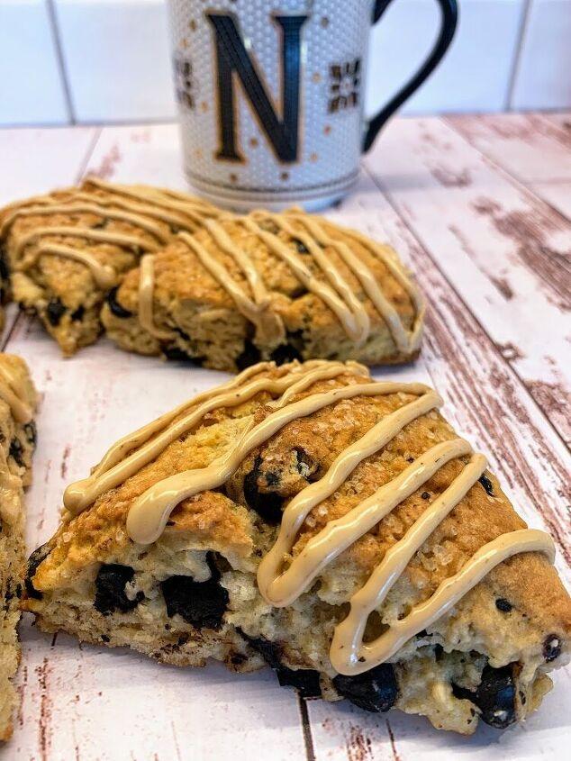 chocolate chip espresso scones with espresso glaze