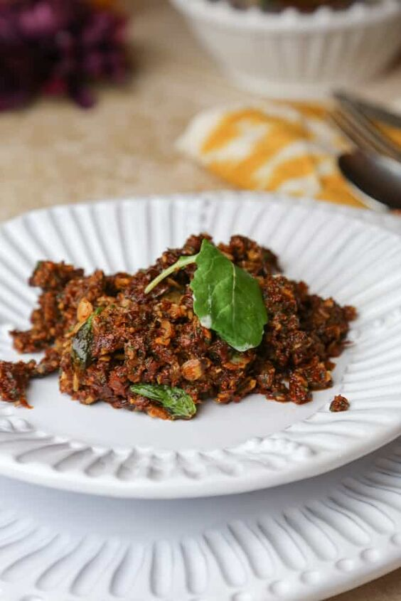 sundried tomato tapenade with almonds and mint