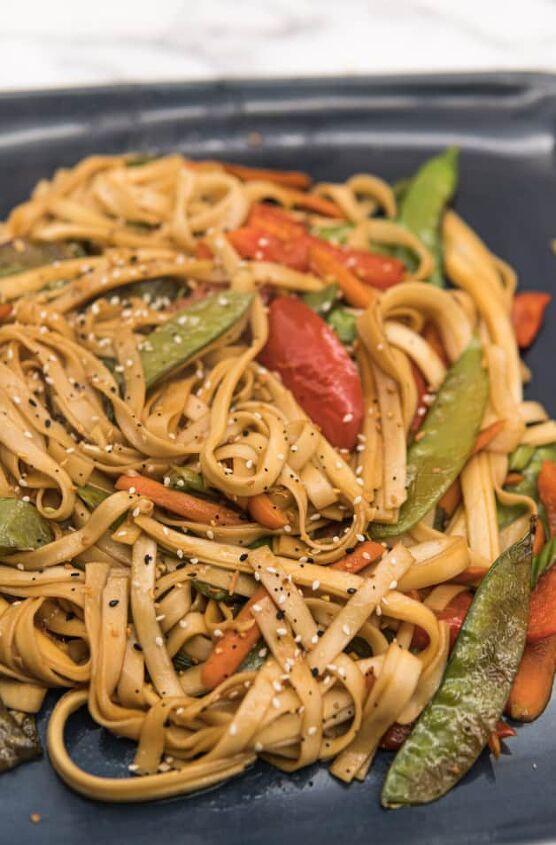 easy vegetarian lo mein noodles