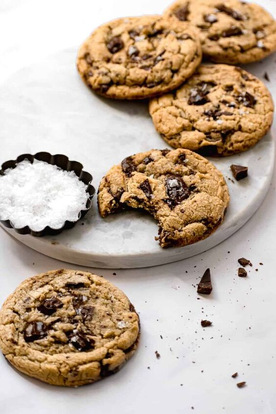 chewy egg yolk chocolate chip cookies