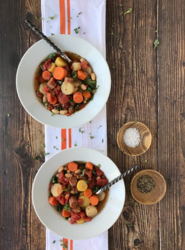 tuscan carrot and bean soup with kale
