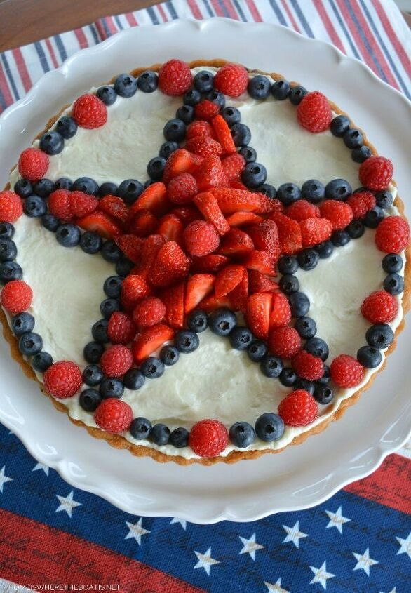 star spangled fruit tart with chocolate chip cookie crust