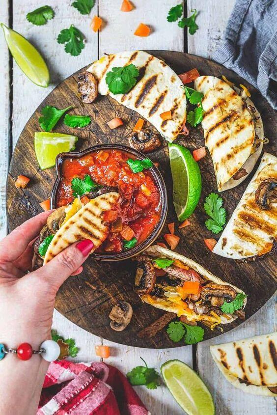 mini steak quesadillas with mushrooms