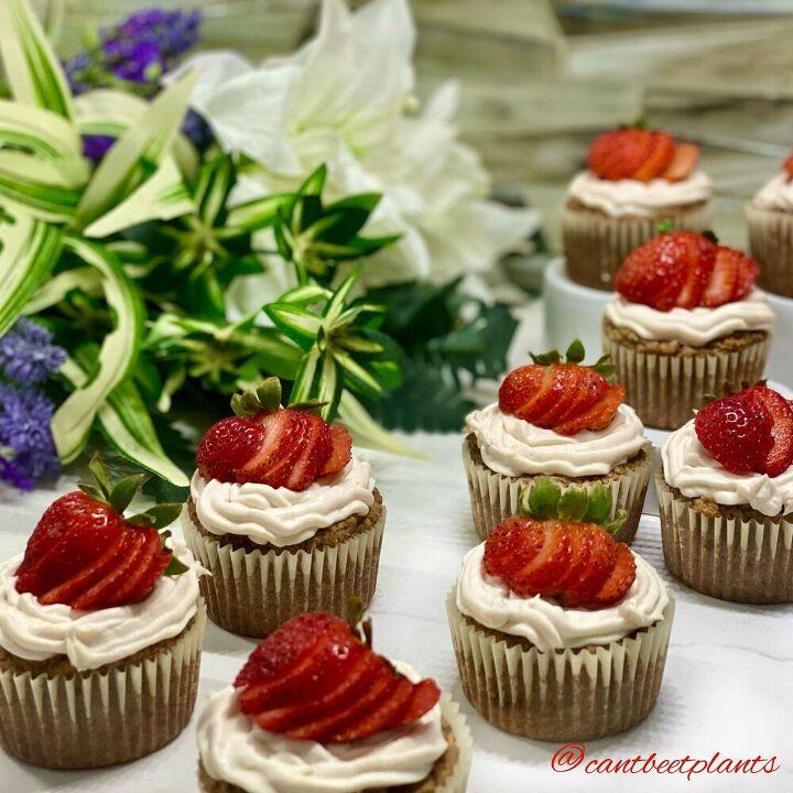 strawberry pistachio cupcakes