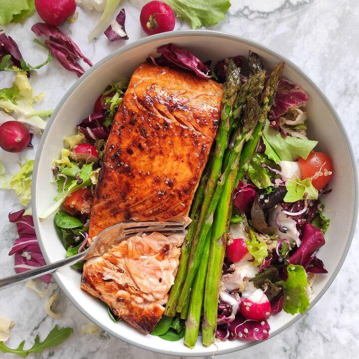 pan seared salmon salad with asparagus