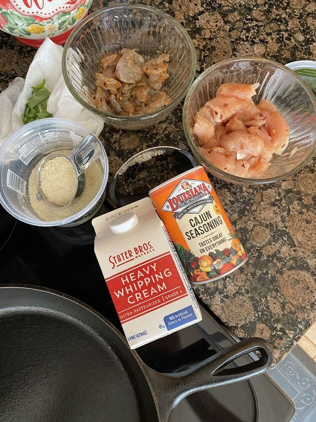 creamy cajun shrimp and chicken pasta, Here is what you are going to need
