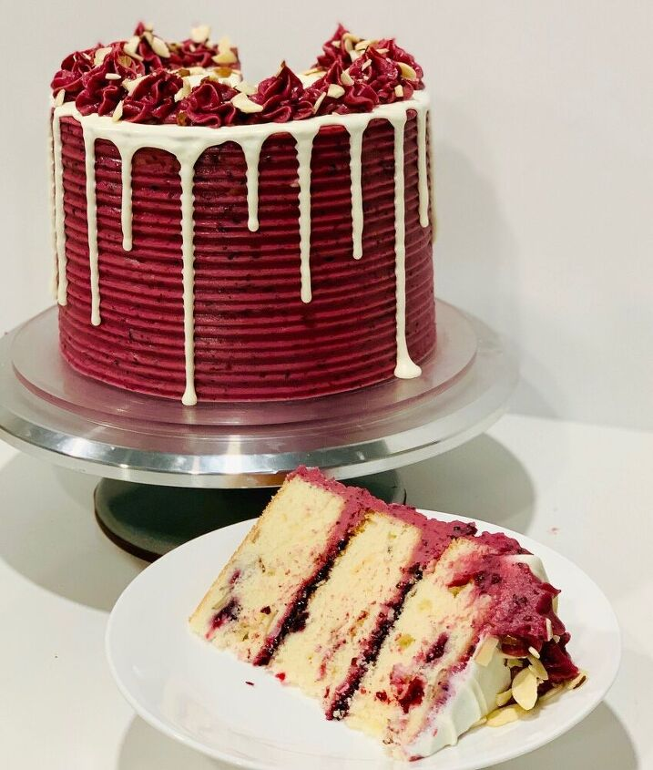 almond blackberry cake