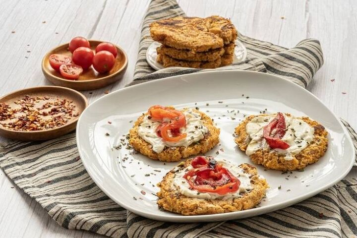 low carb cauliflower fritters pancakes with cheese and almond flour