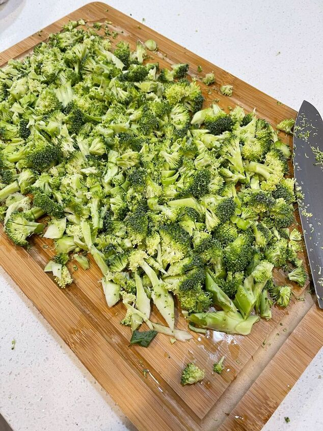 refreshing broccoli salad